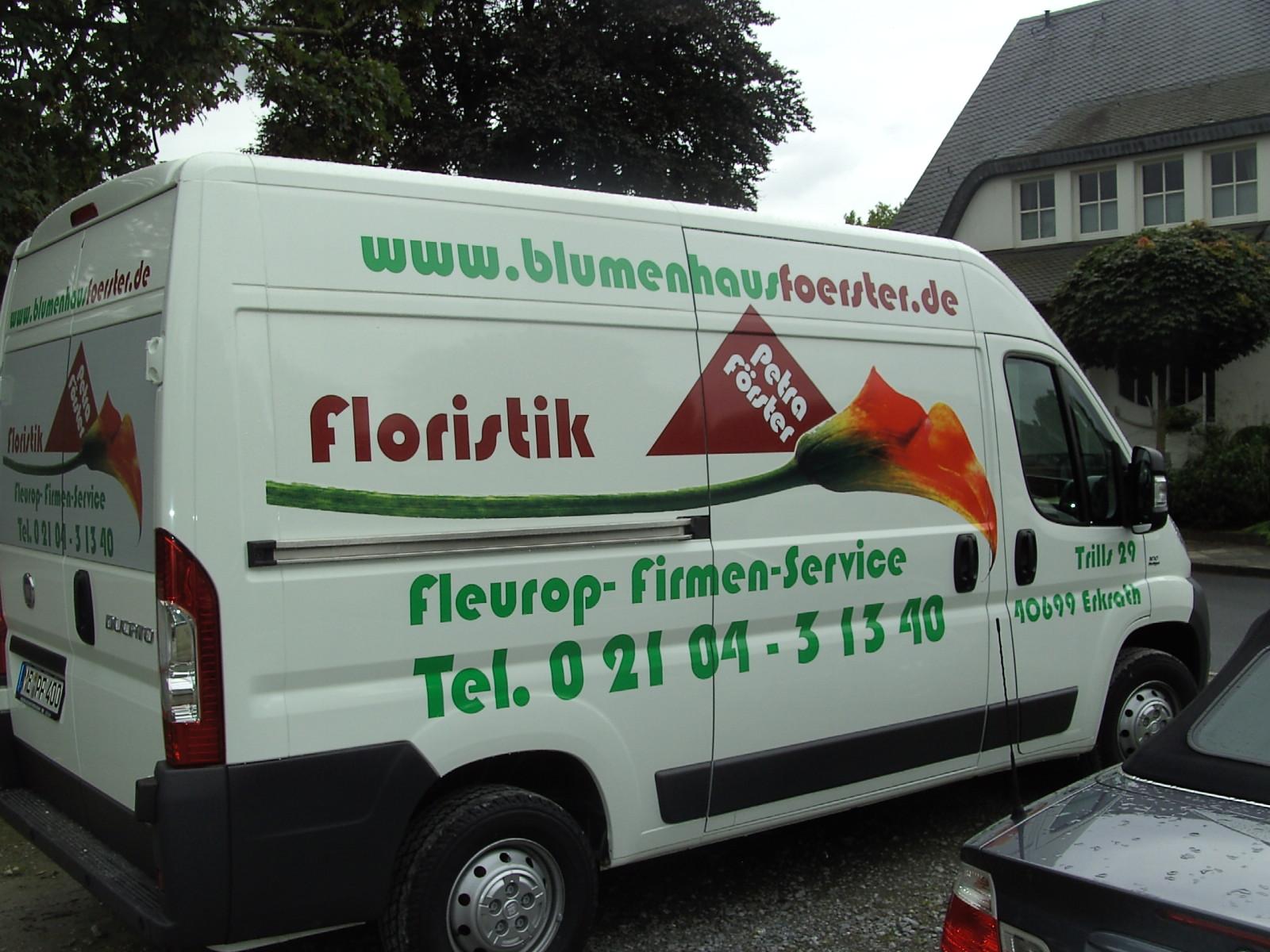 Floristik Autowerbung mit Klebefolie realisiert